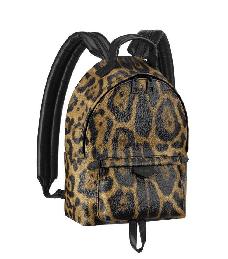 動物圖紋的帆布材質後背包,67,000元。圖/LV提供