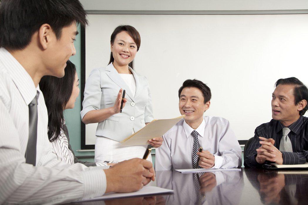 「混種」的職業身份越來越常見。 圖/Ingimage