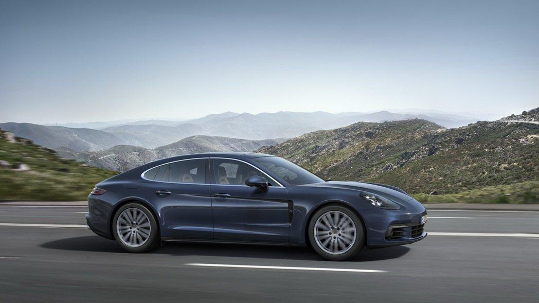 新款Panamera經過重新設計的雙渦輪增壓引擎動力更為強勁 圖/Porsche提供
