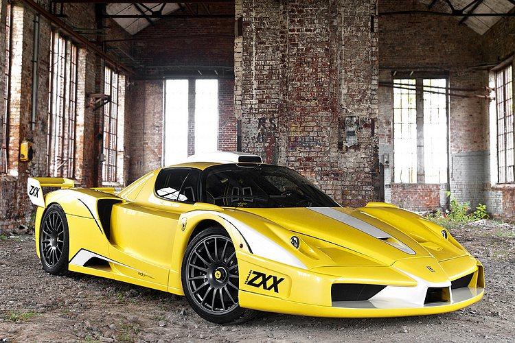 Ferrari Enzo XX Evolution獨特的樣貌吸引不少車迷專注,更...