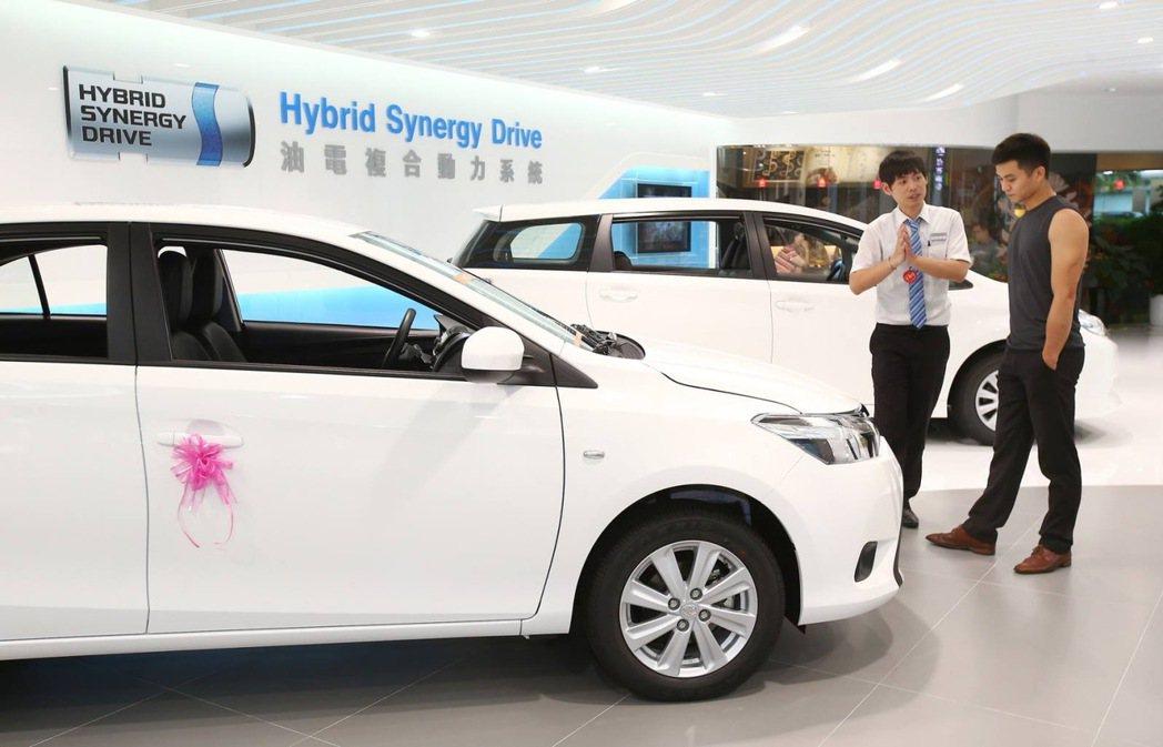 六月車市表現亮眼,新車掛牌數達到4萬2751輛。 記者陳柏亨/攝影