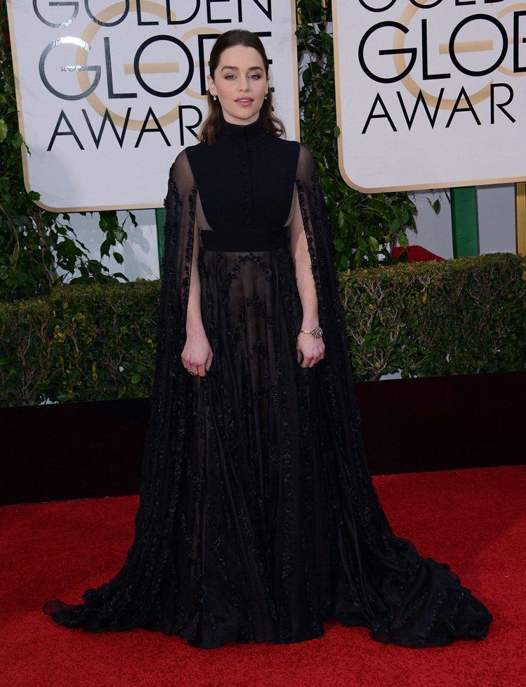 艾蜜莉克拉克 (Emilia Clarke)著Valentino高級訂製服系列全...