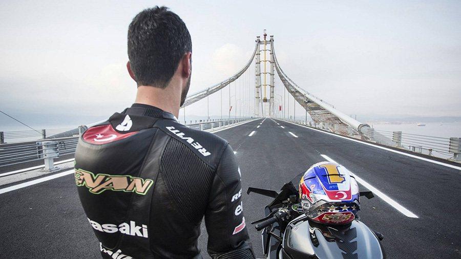 Kawasaki提供