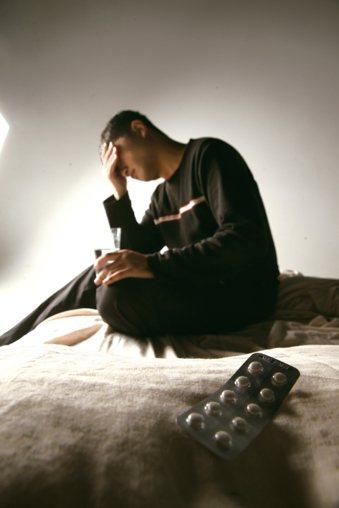 多數人擔心吃太多止痛藥之後,會導致「藥不離口」,必須靠藥物過日子,因而乾脆長期忍...