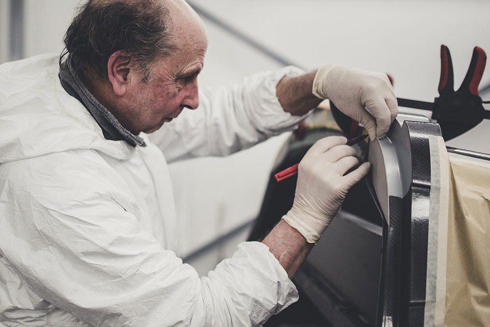 Noble獨立手工跑車工廠,是由創辦人Lee Noble於1999年所創立的。 ...