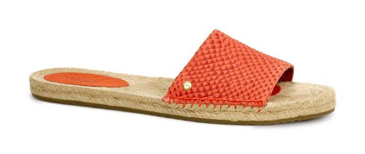 UGG橘紅涼鞋,售價4,000元。圖/UGG提供