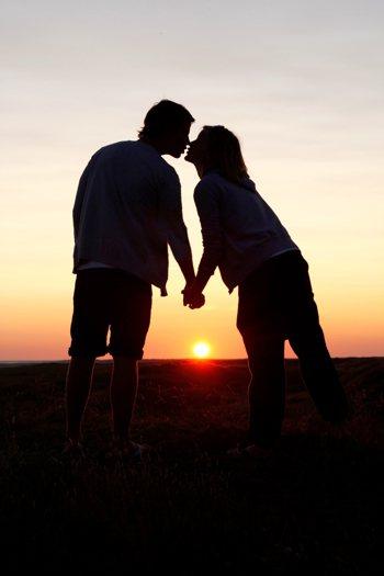 看過這麼多的婚姻困境,讓人不時懷疑,這世界上真的有幸福存在嗎? 圖/ingima...