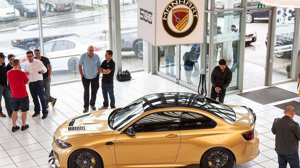 近日Manhart為了慶祝建廠30周年,工程團隊特別將BMW M2車型進行大改造...