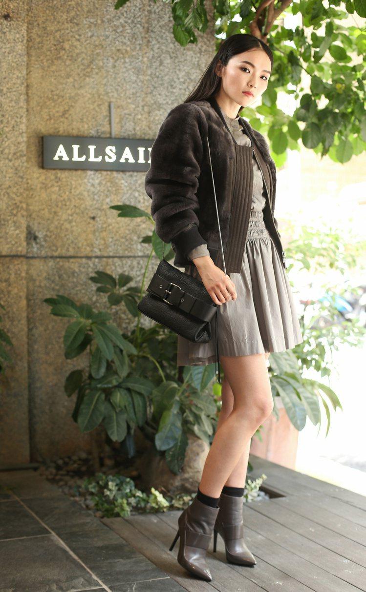 金禧對於服裝造型很有自己想法,詮釋Allsaints秋冬服裝時就表示「這種設計,...