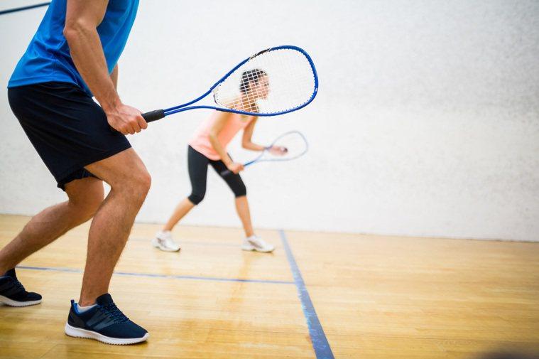 過去研究顯示,不論是經常運動或日常工作活動量較高的人,罹患乳癌、大腸癌等的機率比...