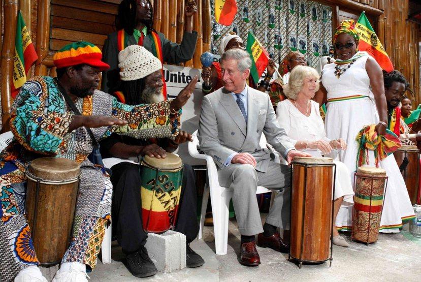 當談到在不需要花錢的地方浪費時,人們總會將矛頭對著加勒比海的小兄弟們。查爾斯王子...