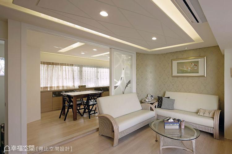 ▲樓上更有起居客廳、麻將間,遊憩、休閒設備一應俱全。