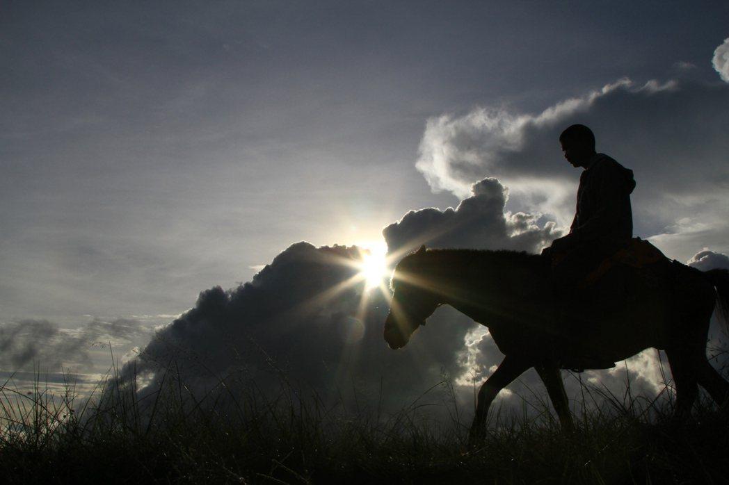 泰緬邊境的馬幫隊伍。 《那山人這山事》劇照/李立劭導演提供