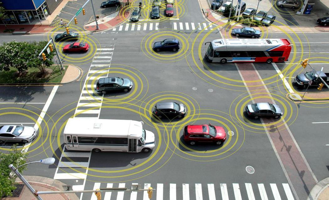 透過Vehicle-to-Vehicle (V2V) 車對車通訊網絡,除了可減少...