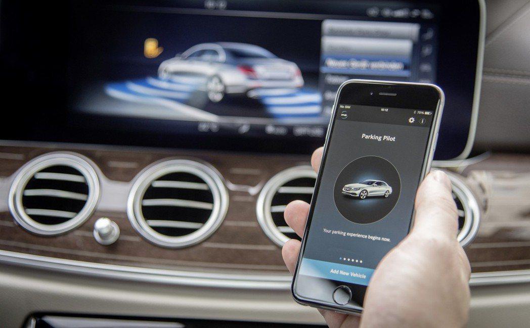 Mercedes-Benz的E-Class擁有Remote Parking Pi...