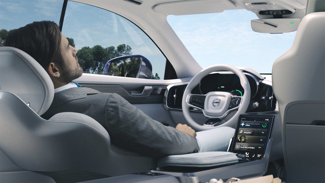 Volvo日前發表無人自駕車的豪華概念內裝「Concept 26」,展現出自動駕...