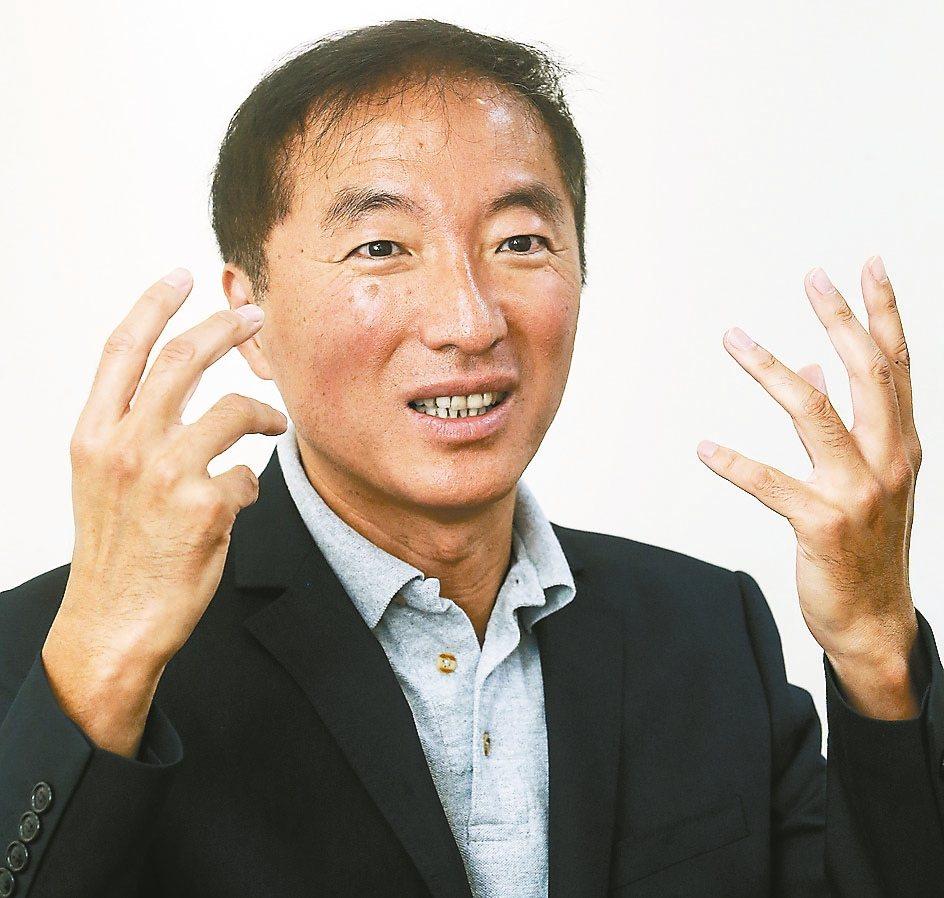 「所有念頭都是侷限。」長庚生物科技董事長楊定一這樣說。 記者黃威彬/攝影