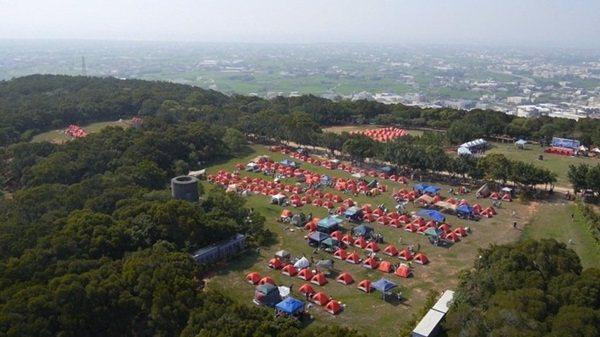 外埔區台灣省農會的露營區,相當寬敞、視野良好,每到假日就吸引千人來露營。 圖/歐...
