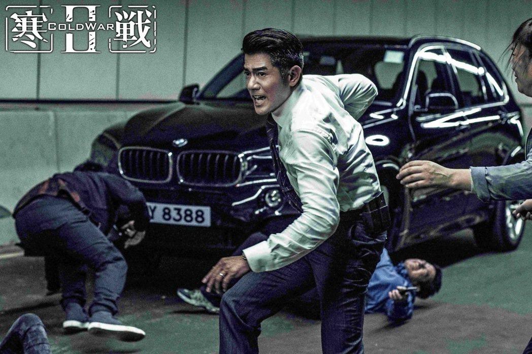 BMW X5則是《寒戰2》劇中衝鋒陷陣的最佳夥伴。 圖/汎德提供