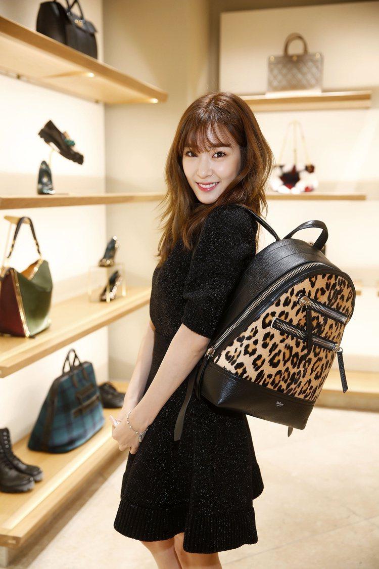 Tiffany 示範 Zip Backpack 系列小牛毛豹紋拼接小牛皮後背包,...