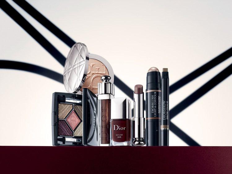 本季彩妝重點擺在「輪廓光影的修飾與突顯」,眼妝和唇彩挑出一個重點加強,利用修容、...