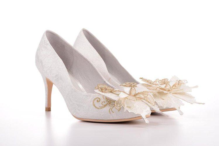 Phalanta限量款鞋履,售價16,800元。圖/MOMENTANEE提供