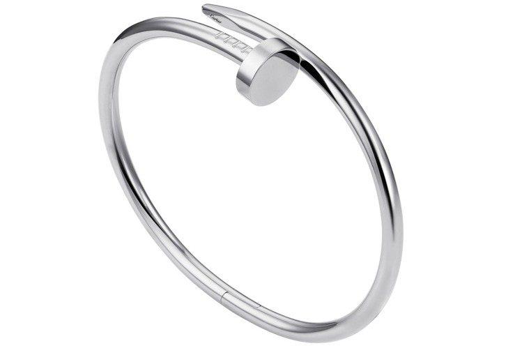 卡地亞Juste un Clou系列白K金手環,參考價格 23萬3,000元。圖...