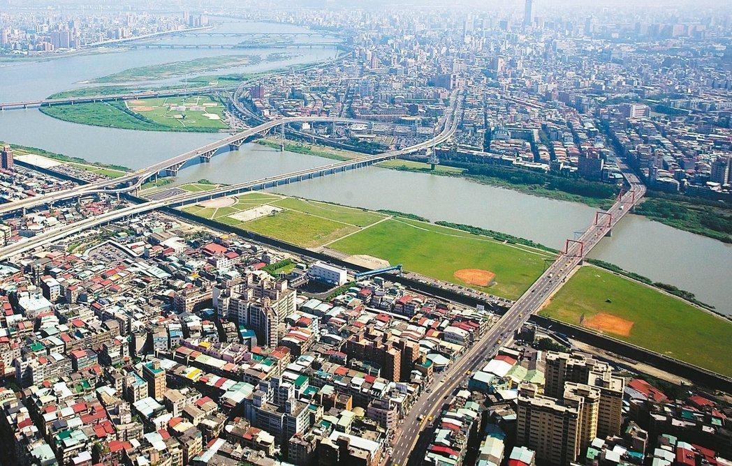 內政部今日發布第46期都市地價指數。 圖/報系資料照
