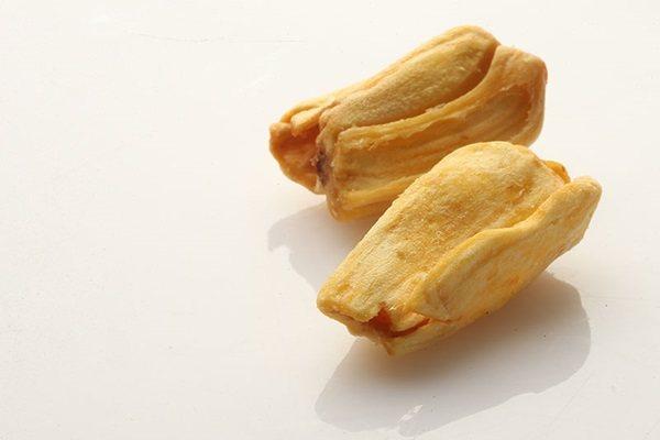 波羅蜜果乾脆片,經低溫烘培,無油無鹽無糖,保留住天然好滋味。 攝影/陳立凱