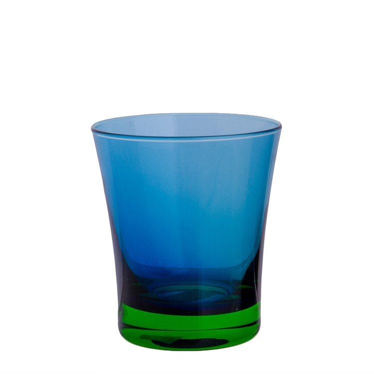 HOLA home漸色手工玻璃水杯藍配綠,創造時尚感。