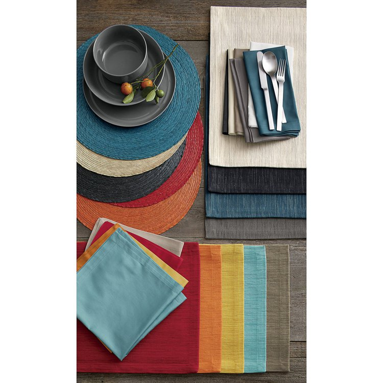 CRATE&BARREL Fete餐巾,低調又不失飽和的色系共有藍、芥末、櫻桃紅...