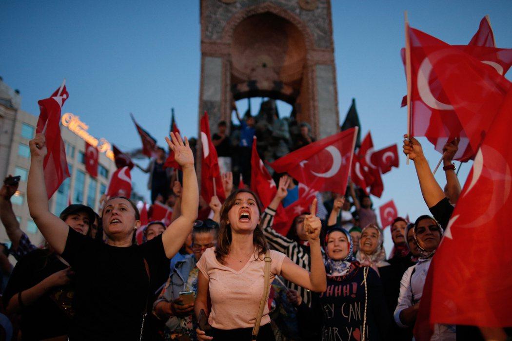 土耳其政府關閉因吉利克空軍基地基地,此舉將嚴重擾亂美國進擊IS的空中作業。 美聯...