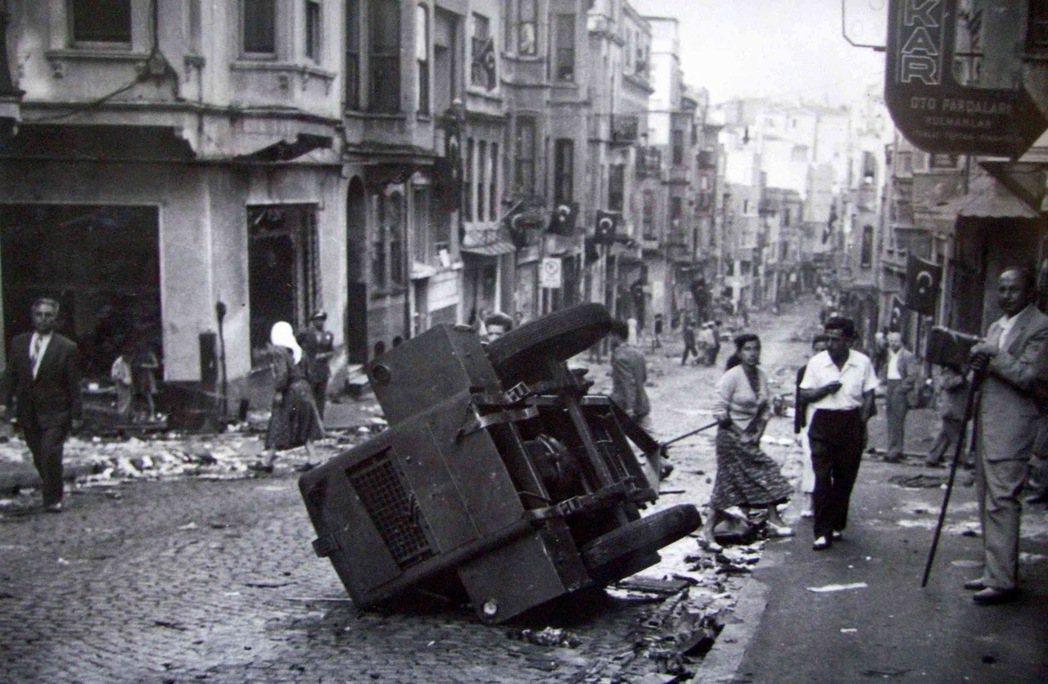 民主黨選擇限制結社與傳播自由,在50年代末期也引爆「土耳其獨裁化」的疑慮。 圖/...