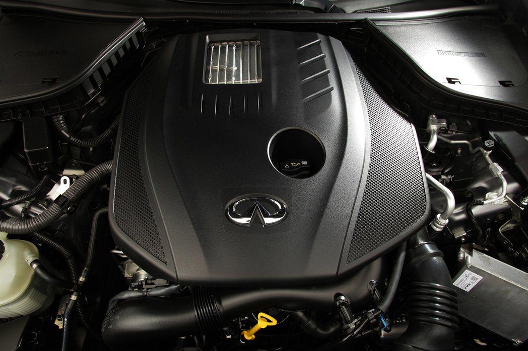 代號M274 DE 20 AL的2.0T引擎來自M-BENZ。 摘自Infini...