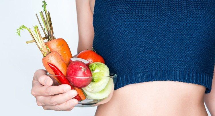 飲食要多攝取蔬菜、水果,便秘才不會找上門。