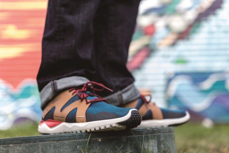 專業戶外鞋MERRELL推出新款1SIX8鞋,融入撞色的時尚元素。圖/MERRE...