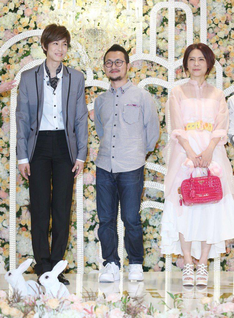 賴雅妍穿男裝現身,九把刀、柴智屏。記者陳瑞源/攝影