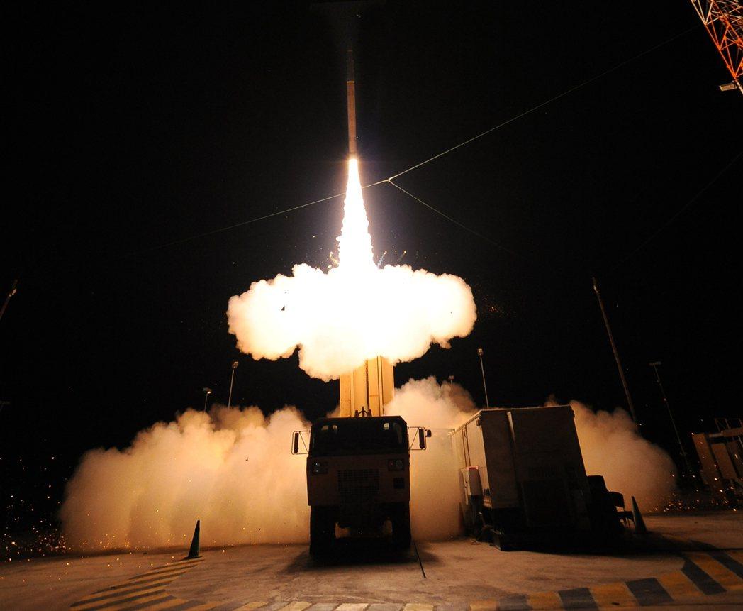 中國國防部強硬威脅稱,對美國決定在南韓部署「末端高空防禦系統」(THAAD)的反對,絕對不是「說說」而已。 圖/美國飛彈防禦局MDA