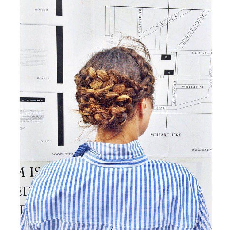 每天都在為自己的髮型髮愁,我們從ins上選擇最棒的35款髮型,從漂亮的辮子到浪漫...