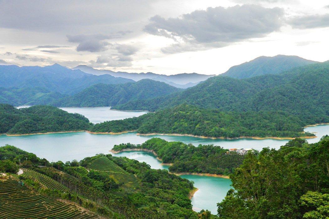 石碇千島湖美景。 記者陳威任/攝影