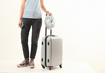 旅行需要的物品別全塞進一個大皮箱,建議將大行李分配成小行李,分散重量可避免在搬動...