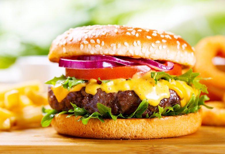 吃對營養、吃對適合自己的食物,避免身體慢性發炎,比起單純少吃多動、辛苦計算卡路里...