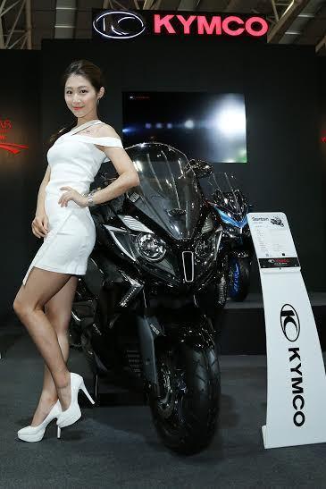 KYMCO覺旅全車系(該車型為DOWNTOWN 350i ABS),在黃牌重機仍...