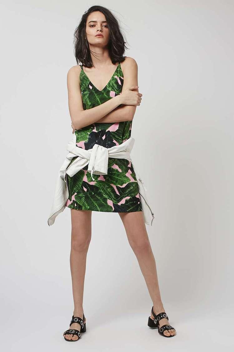 編輯推薦款: Topshop V領印花裙 參考價格:320CNY
