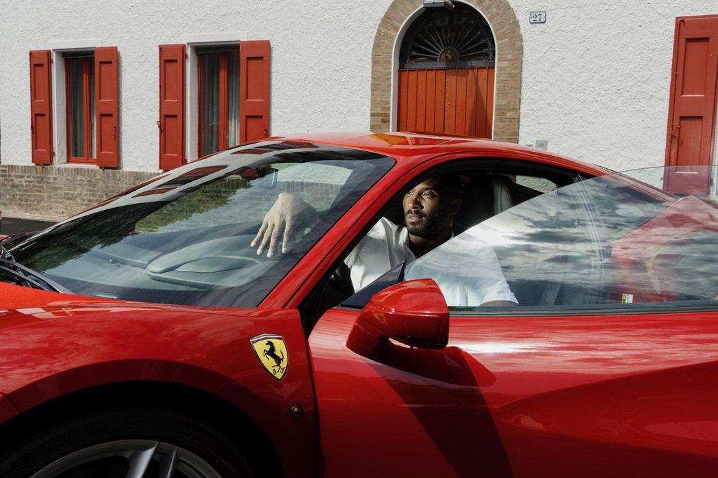 或許Kobe在試乘之後已決定客制一輛專屬車款。 摘自carscoops.com