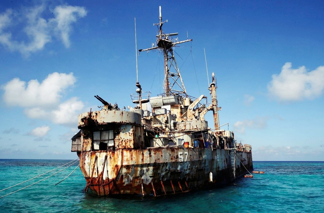 菲律賓海軍的「馬德雷山號登陸艦」。這艘原屬於美軍的戰艦,在越戰之後被移交給菲律賓...