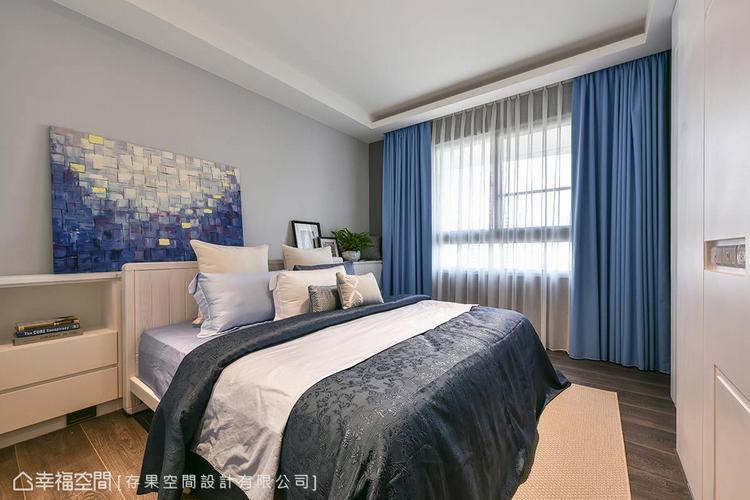 ▲主臥房:空間就如同一張白紙,在色調清爽的臥房中,以軟件去做重點色系的變化。