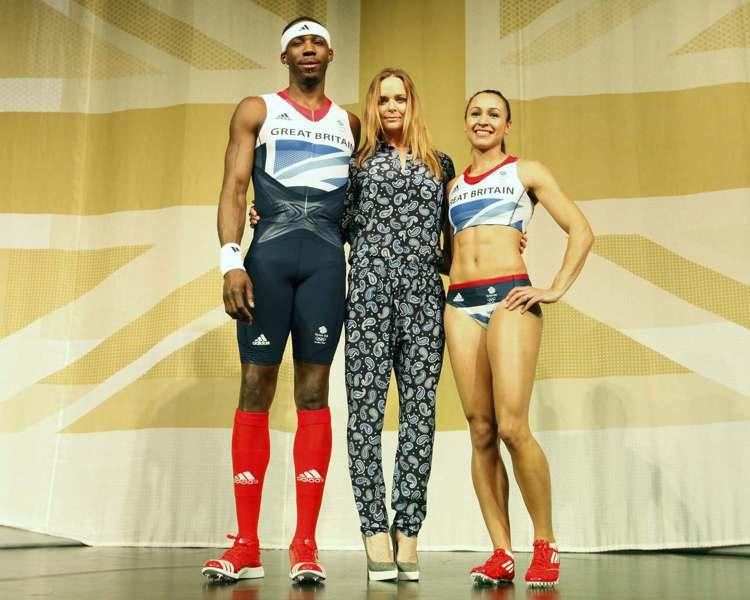 2012 年倫敦奧運時 Stella McCartney 就與 Adidas 合...