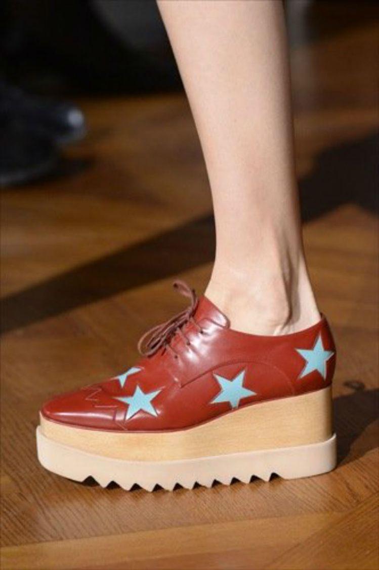 Stella McCartney 設計的熱門鞋款 Elyse Platform ...