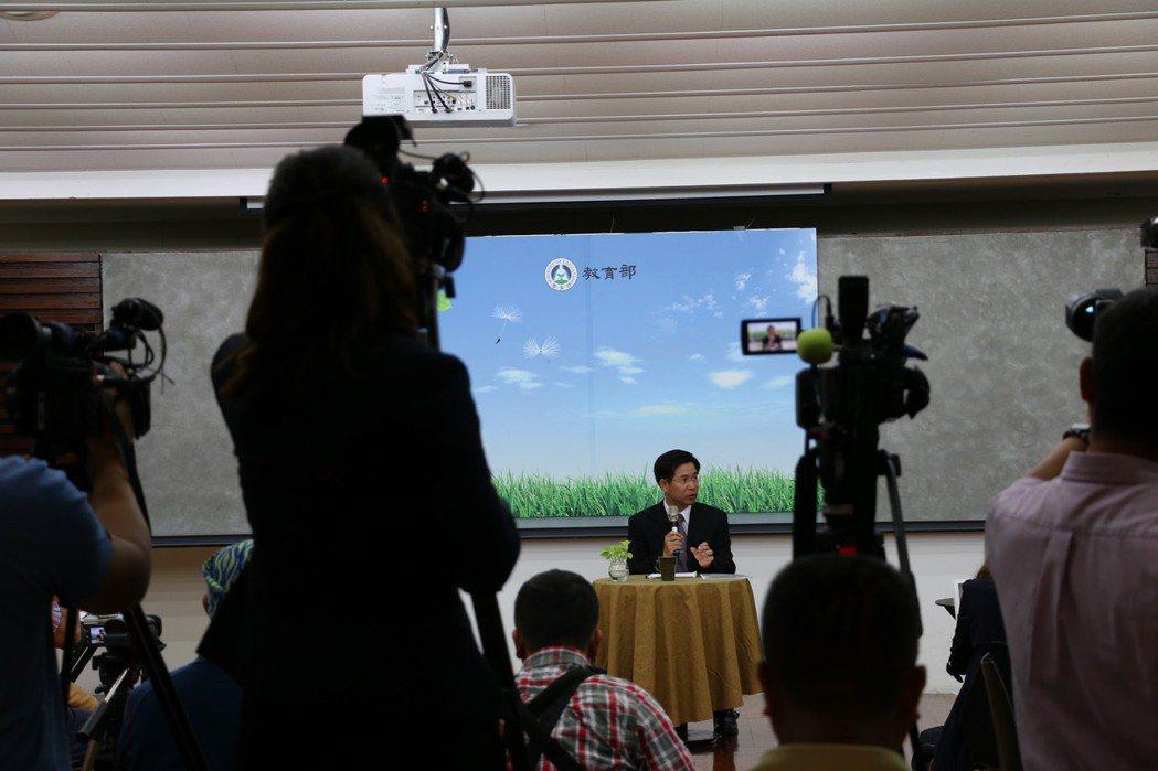 教育部長潘文忠,上任記者會現場。 圖/作者自攝